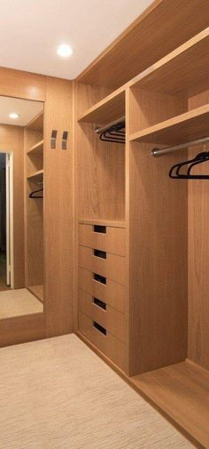5 Modern Wardrobe Closet Designs Everyone Will Like Bedroom Cupboard Designs, Wardrobe Design Bedroom, Bedroom Cupboards, Wardrobe Closet, Walk In Closet, Small Walkin Closet, Modern Wardrobe, Master Closet Layout, Master Bedroom Closet
