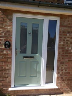 uPVC Windows & Doors in Hemel Hempstead M and M Glass are uPVC window and door specialists based in Hemel Hempstead and St Albans in Hertfordshire Front Door Porch, Porch Doors, House Front Door, Entrance Doors, Barn Doors, Green Front Doors, Front Doors With Windows, Front Door Colors, Green Windows