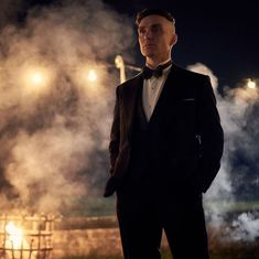 When Is 'Peaky Blinders' Season 6 Out? Rumours, Teasers, And Everything You Need To Know Peaky Blinders Poster, Peaky Blinders Season, Peaky Blinders Series, Peaky Blinders Tommy Shelby, Peaky Blinders Thomas, Cillian Murphy Peaky Blinders, Cillian Murphy Wife, Cillian Murphy Young, Boardwalk Empire