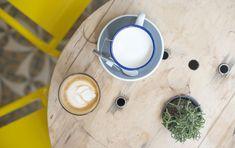 Top 5 Best Coffee Shops in Paris by Brandie Raasch for Paris Perfect - Peloton Paris Coffee Shop, Best Coffee Shop, Coffee Shops, Parisian Cafe, Paris Shopping, Paris Restaurants, Latte, Stuff To Do, Sweet Treats
