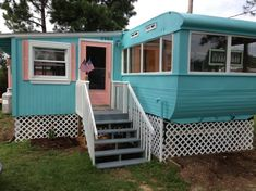 I would live in a mobile home if it looked like this!!!  Vintage Ventoura mobile home remodel | Mobil Home Living