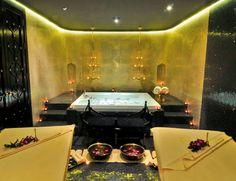 Déjate llevar por un masaje en pareja que despierte tus sentidos en un exótico 'spa'