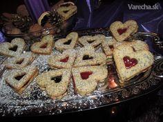 Makové srdiečka Cooking Recipes, Cookies, Desserts, Food, Basket, Pies, Crack Crackers, Tailgate Desserts, Deserts