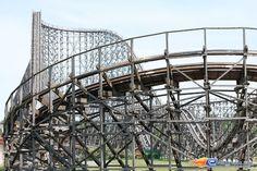 414 | Photo du Roller Coaster Colossos situé à Heide-Park (Allemagne). Plus d'information sur notre site www.e-coasters.com !! Tous les meilleurs Parcs d'Attractions sur un seul site web !! Découvrez également notre vidéo embarquée à cette adresse : http://youtu.be/9bWLKRgvd3w