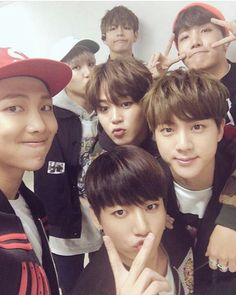 ah yes a pic where my boi jimins looking better thank kook