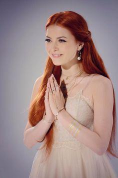 Elena Gheorghe Redheads, White Dress, Singer, Celebrities, Hair, Beauty, Beautiful, Musicians, Dresses