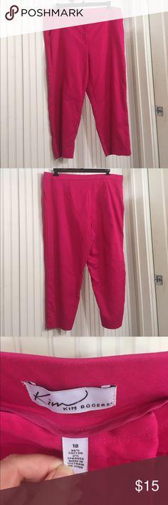 Kim Rogers Ankle Cropped Pants Kim Rogers Ankle Cropped Pants 98% Cotton 2% Spandex Side slant pockets, zipper/tab  front, tapered hem with side vent. GUC From Smoke free home. Kim Rogers Pants Ankle & Cropped