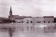 Stará Bratislava po svetovej vojne na fotografiách Bratislava, Old Town, Arch, Louvre, Times, Type 3, Building, Theater, Travel