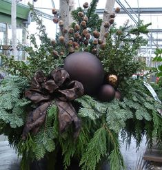 Perennial Flower Gardening - 5 Methods For A Great Backyard The Seasonal Home Surroundings Home To Garden: Seasonal Outdoor Planters Christmas Window Boxes, Christmas Urns, Christmas Greenery, Christmas Arrangements, Rustic Christmas, Christmas Home, Christmas Wreaths, Primitive Christmas, Christmas Christmas