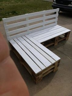 DIY Pallet Sectional Bench - 110 DIY Pallet Ideas for Projects That Are Easy to Make and Sell - http://www.bigdiyideas.com