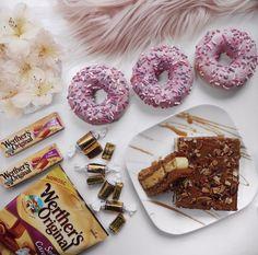 Caramels, Doughnut, The Originals, Desserts, Food, Postres, Deserts, Hoods, Meals