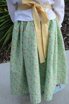 The Little Fabric Blog: Pioneer Skirt Tutorial