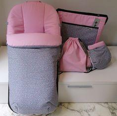 Conjunto saco, bolso, manoplas y bolsa merienda en rosa y estampado florecilla
