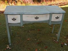 A lovely side table/vanity. Finished in Annie Sloan, Old White and Duck Egg Blue with clear and dark wax.