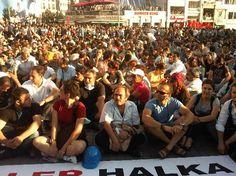 Taksim'de Ethem Sarısülük anma öncesi yoğun güvenlik.Ethem Sarısülük'ü vuran polisin 'meşru müdafaadan' serbest kalmasına tepkiler büyüyerek devam ediyor. 25 Haziran 2013 -  bu akşam saat 19.00'dan itibaren Ankara ve İstanbul'da anma törenleri yapıldı. http://www.hurriyet.com.tr/gundem/23584880.asp
