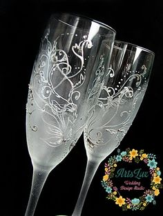 Frosty Wedding champagne Glasses hand painted Silver por ArtsLux