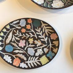 Pottery Pots, Ceramic Pottery, Pottery Painting, Ceramic Painting, Japanese Bowls, Kagoshima, Terracota, Ceramic Animals, Pottery Designs