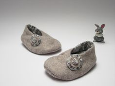 Light grey felt booties for little girl 36 months di robedellarobi