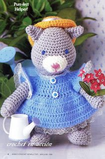 Amigurumi Gardening Cat - FREE Crochet Pattern and Tutorial