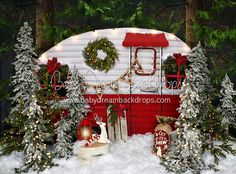Kids only or unclose family Winter Camper Decorated (Extra Lights) Christmas Tree Lots, Christmas Mini Sessions, Christmas Minis, Outdoor Christmas, Christmas Pictures, Christmas Lights, Fall Mini Sessions, Christmas Photography Backdrops, Christmas Backdrops