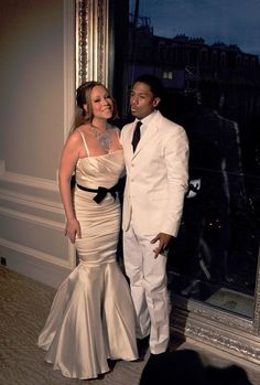 Mariah Carey Photos Photos - Singer Mariah Carey and husband Nick Cannon at their wedding vows renewal photocall held at Maison Blanche in Paris. - Mariah Carey and Nick Cannon Renew Their Vows in Paris