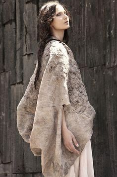 "'Cocoon' Fashion Collection // Maka   Afflante.com. The ultimate ""shrug"""