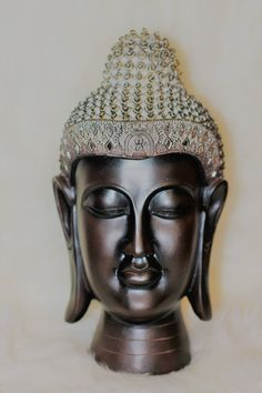 Buddha statue head that has a vintage Look. Perfect for indoor, zen, boho, meditation, and yoga decor. Buddha Statues For Sale, Yoga Decor, Head Statue, Buddha Meditation, Buddha Head, Ceramic Birds, Deities, Buddhism, Vintage Looks