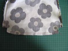 ワンハンドルバッグの作り方 Lunch Box, Sewing, Bags, Fashion, Cat Breeds, Handbags, Moda, Dressmaking, Couture