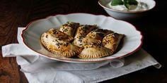 Мпурекакия (мини-баклажанные пироги)