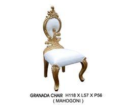 Chaise baroque Granada dorée et aspect cuir blanc. Disponible à la vente ou à la location : www.location-mobi... #decoration #mobilier #decoprive