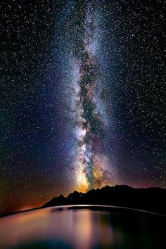 Milky Way over Lake Titicaca, Peru - Via Láctea no Lago Titicaca, Peru Lago Titicaca Peru, Lac Titicaca, All Nature, Science And Nature, Amazing Nature, Cosmos, Ciel Nocturne, To Infinity And Beyond, Milky Way