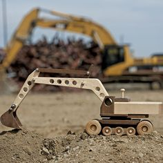 Toy Excavator Plan - www.rockler.com