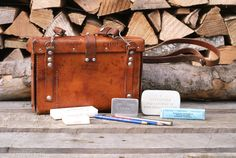 ⛑️🚁🤕A very special Swiss Army medical bag from in extremely good condition and with some of its original contents! The year the name of the leather worker and his town are stamped into the leather on the back of the bag. Medical Bag, Swiss Army, Leather Bags, Vintage Leather, Contents, Messenger Bag, Gift Ideas, Stuff To Buy, Etsy