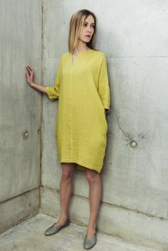 The Lime Linen Dress features a slit neckline and flowing kimono sleeves. Shop Motumo linen dresses at Amberoot today. Simple Dresses, Plus Size Dresses, Casual Dresses, Summer Dresses, Linen Dresses, Cotton Dresses, Dress Patterns, Sewing Patterns, Dress Making