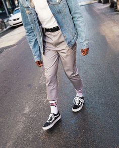 urban mens fashion which looks great . Fashion Moda, Urban Fashion, Retro Fashion, Mens Fashion, Fashion Outfits, Fashion Tips, Fashion Design, Fashion Trends, Urban Outfitters Men