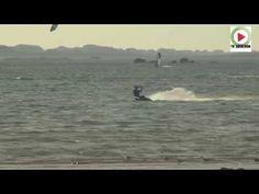 Reportage HD – TV Quiberon 24/7 – 31 Octobre 2014 – Kitesurfing et Windsurfing sur le spot des dunes de Sainte Marguerite à Landéda dans le Finistere en Bretagne. Le plan d'eau est plat avec un léger clapot si le vent se lève. Plus la mer descend, plus les cailloux apparaissent. Au fond se trouve la Baie des Anges