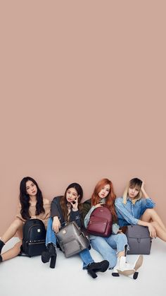 Find images and videos about gif, rose and blackpink on We Heart It - the app to get lost in what you love. Yg Entertainment, South Korean Girls, Korean Girl Groups, Kpop Girl Bands, Mode Kpop, Blackpink Members, Lisa Blackpink Wallpaper, Idole, Black Pink Kpop