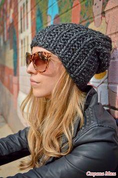 Попросила меня подруга связать ей вот такую шапку и снуд на два оборота в комплект к ней. Шапка сия была найдена на Этси. 42 бакса сама шапка, 18 - доставка, 5 баксов просит автор за описание.