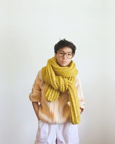 I want to knit a scarf just like this!  7 feet long and 8 inches wide.  Would be great to wrap around my neck this winter.