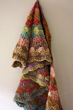 Sea Shell Autumn Wrap: free #crochet pattern