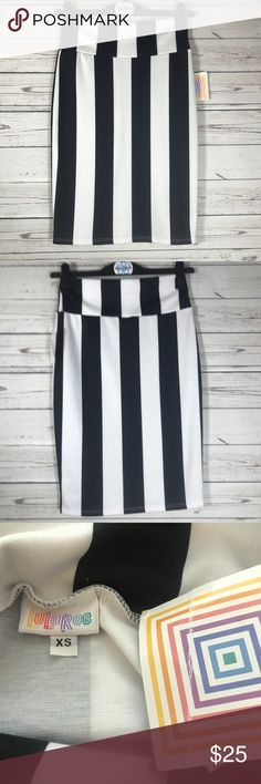 """LuLaRoe Black White Striped Cassie Style Skirt Size: Extra Small Waist Laying Flat: 14"""" Length: 23""""  Brand New with Tags, LuLaRoe Cassie Skirt, Extra Small LuLaRoe Skirts Pencil"""