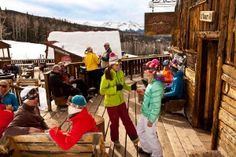 9 Highly Walkable Ski Towns in North America #ski #skiing #travel #winter