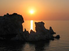 ΚΙΜΩΛΟΣ - ΗΛΙΟΒΑΣΙΛΕΜΑ Sunrises, Monument Valley, Greece, Nature, Summer, Travel, Greece Country, Naturaleza, Summer Time
