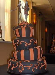 Nightmare Before Christmas Wedding Cake! cute but not for my wedding, maybe an anniversary