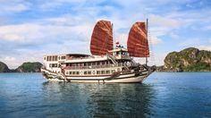 Royal Palace cruise in Halong