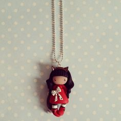 Collier Petite fille renard brune en rouge : Collier par madame-manon