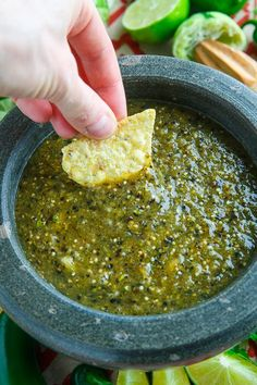 We're teaching you how to make the best homemade salsa verde recipe with fresh tomatillos, roasted garlic and just the right seasonings. This is the perfect fresh salsa! Mexican Salsa Recipes, Mexican Dishes, Mexican Desserts, Salsa Canning Recipes, Pumpkin Puree Recipes, Homemade Salsa, Homemade Breads, Other Recipes, Freezer Recipes