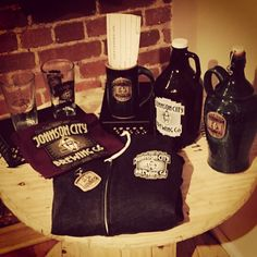 Xmas Day is on it's way - have you told Santa what you want from JC Brewing Co?? Ceramic growler, pint glass, ornament, zip-up hoody, ornament, t-shirt, ceramic mug, a Lamplighter Membership? Can't decide - have'em get you a gift certificate! We take orders over the phone if your loved one is too far away to swing by - we can also ship!