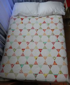 Marmalade Quilt - Love how there are so many designs to see in this quilt...triangles, stars, hourglasses...