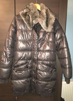 Winter Jackets, Fashion, Winter Coats, Moda, Winter Vest Outfits, Fashion Styles, Fashion Illustrations
